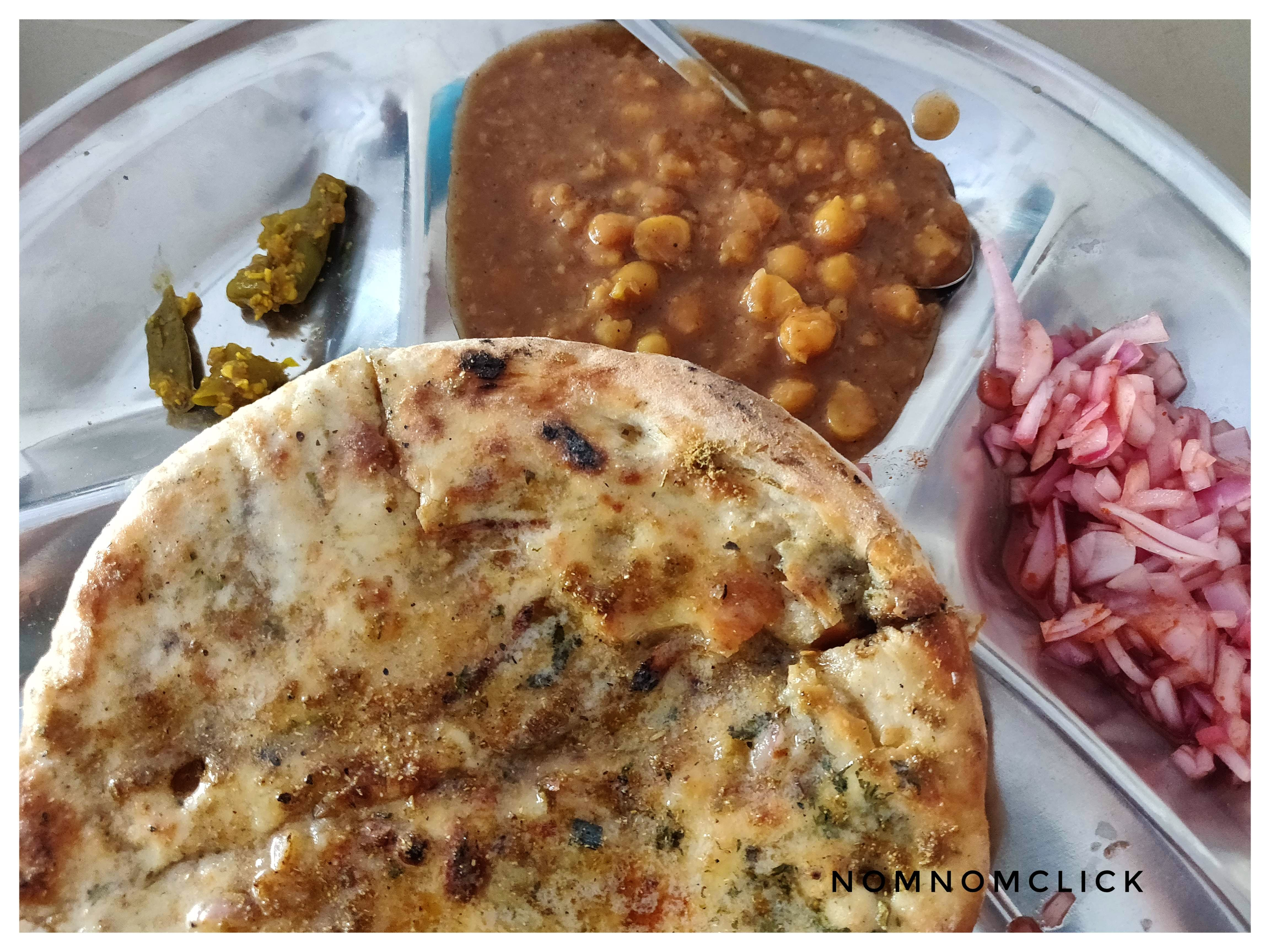 Food,Cuisine,Dish,Ingredient,Naan,Kulcha,Roti,Paratha,Staple food,Chapati