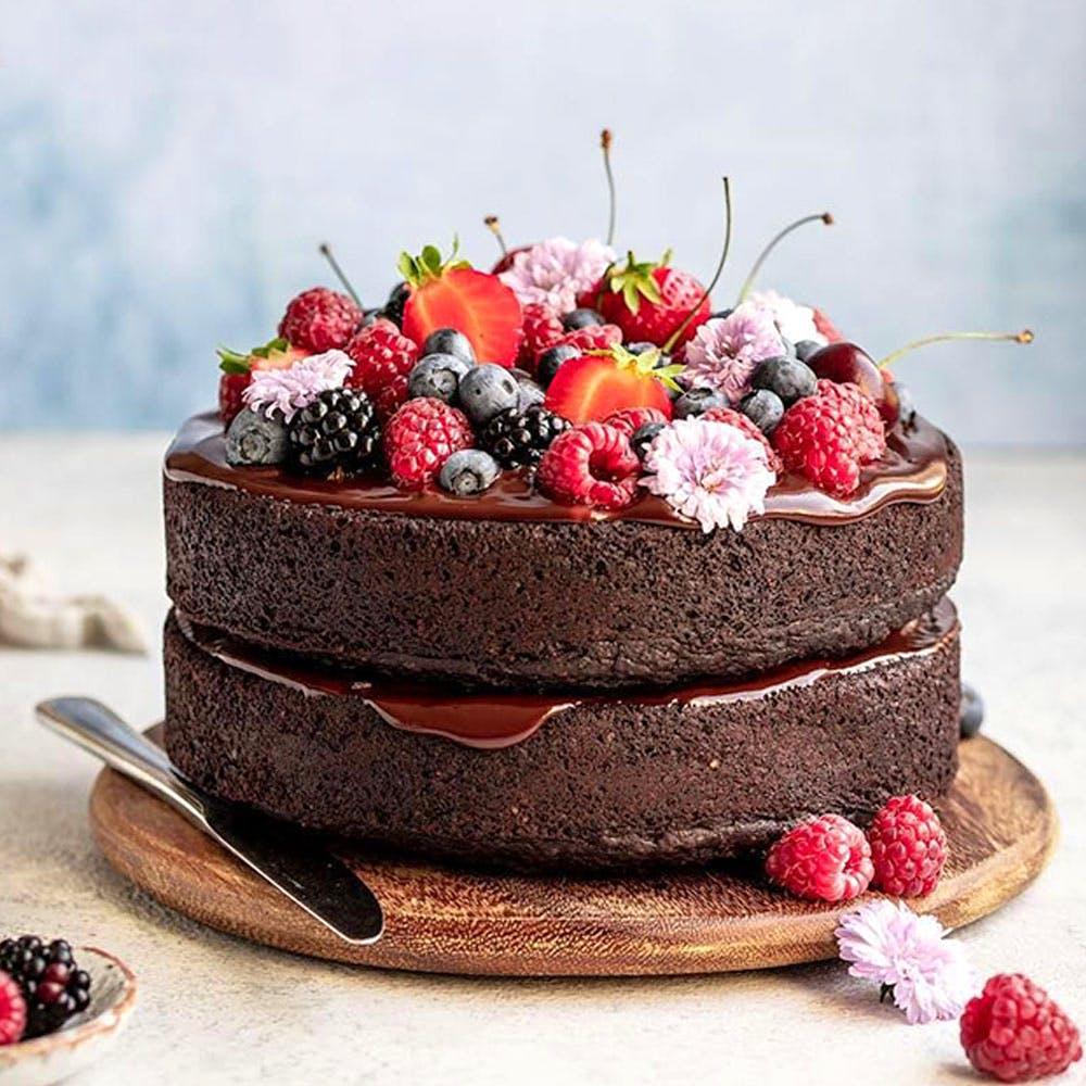 Cake,Food,Chocolate cake,Dessert,Flourless chocolate cake,Sachertorte,Torte,Baked goods,Cuisine,Dish