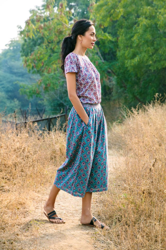 Clothing,Blue,Dress,Lady,Green,Turquoise,Beauty,Brown,Fashion,Footwear