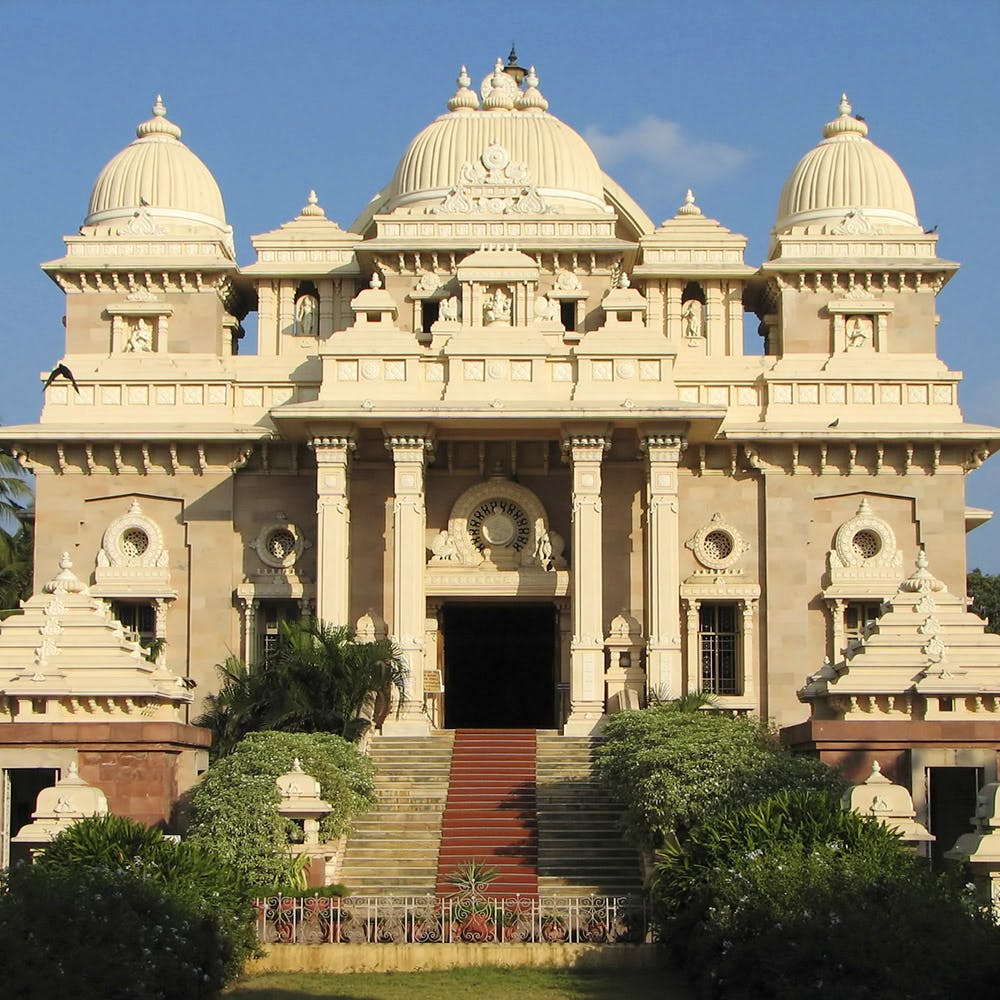 Landmark,Classical architecture,Building,Hindu temple,Architecture,Place of worship,Holy places,Dome,Historic site,Temple