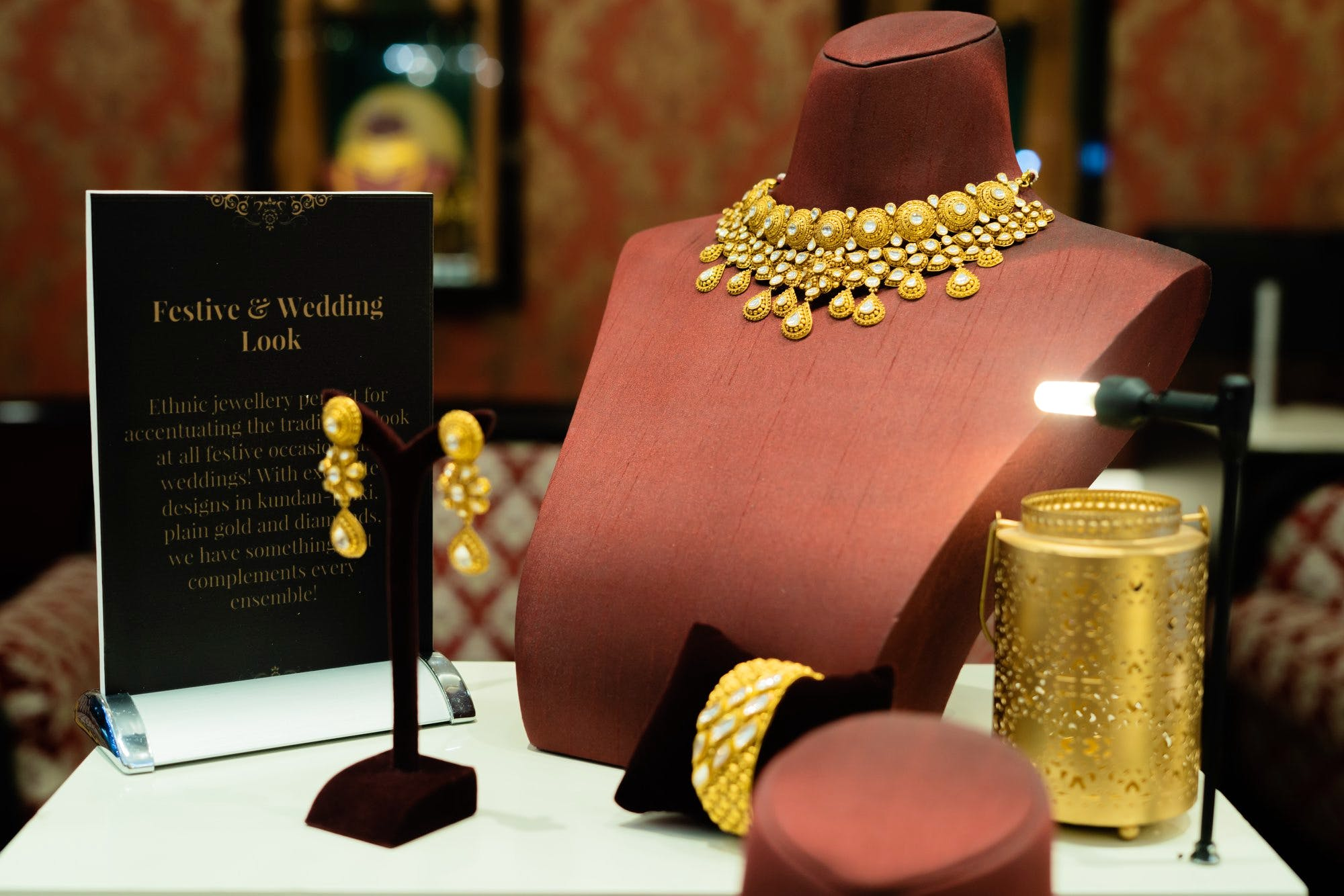 Gold,Fashion accessory,Jewellery,Metal