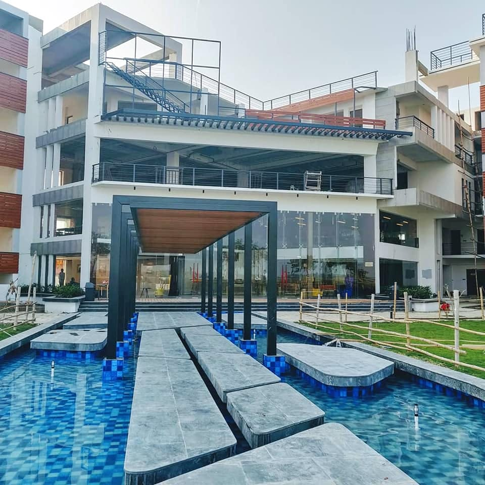 Swimming pool,Property,Building,Architecture,Leisure centre,Real estate,Water,House,Leisure,Apartment