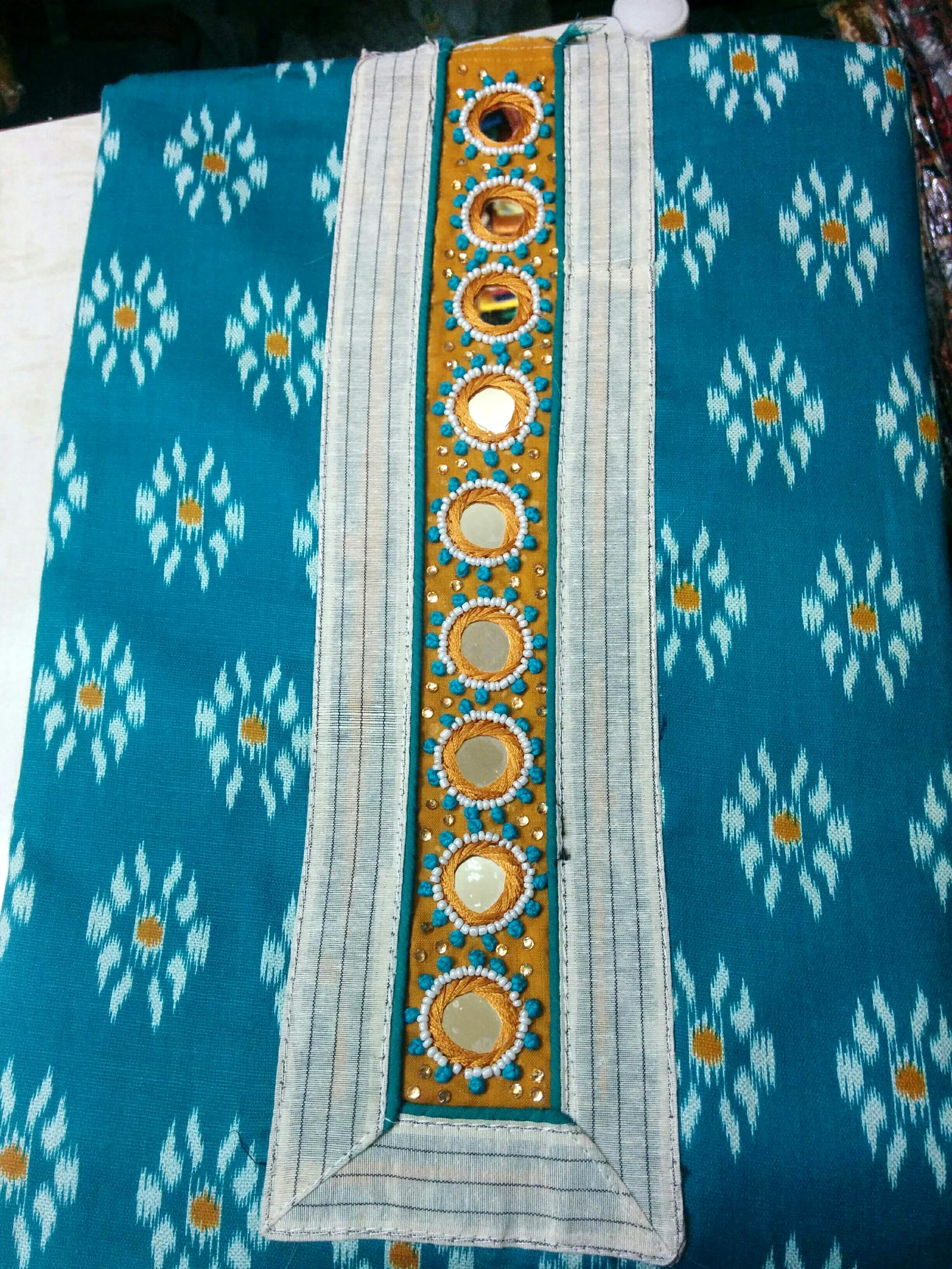 Aqua,Blue,Turquoise,Textile,Pattern,Visual arts,Motif,Electric blue