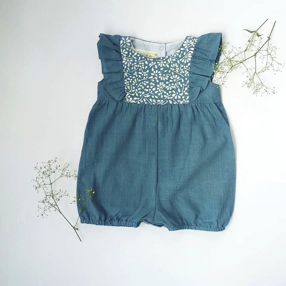 Clothing,Blue,White,Day dress,Aqua,Dress,Green,One-piece garment,Turquoise,Cocktail dress