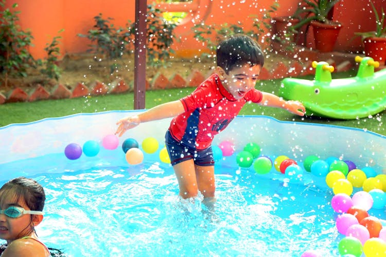 Fun,Leisure,Swimming pool,Play,Product,Leisure centre,Child,Water,Recreation,Summer