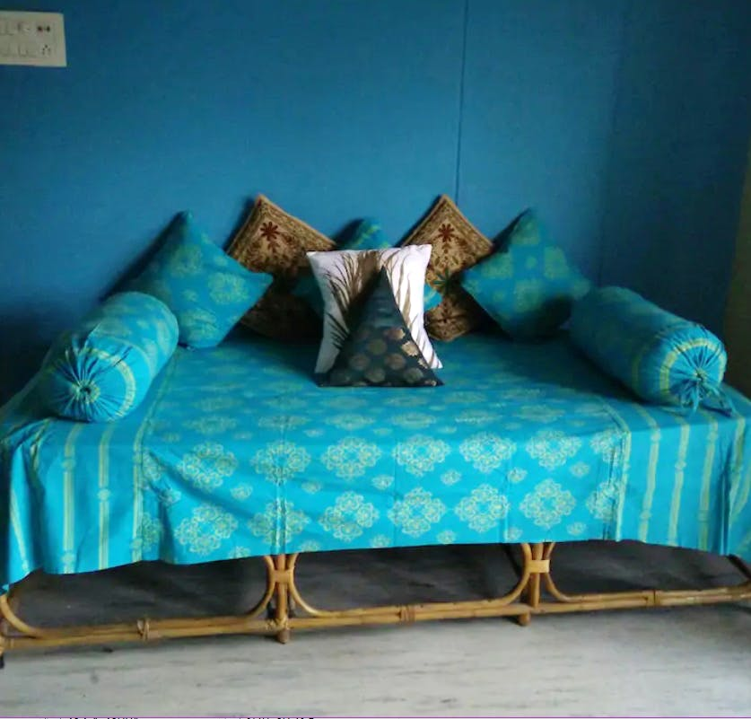 Furniture,Blue,Couch,Turquoise,Bed,Aqua,Teal,studio couch,Room,Sofa bed