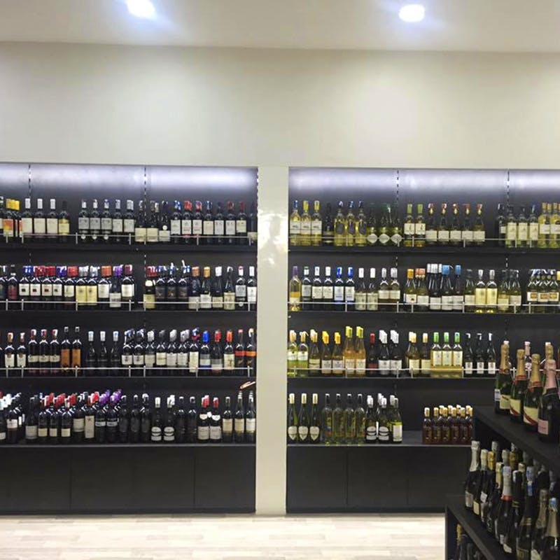Make Your Home Bar Great With Best Wine Shops