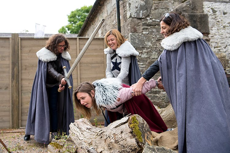 Outerwear,Middle ages,History,Event,Costume,Cloak