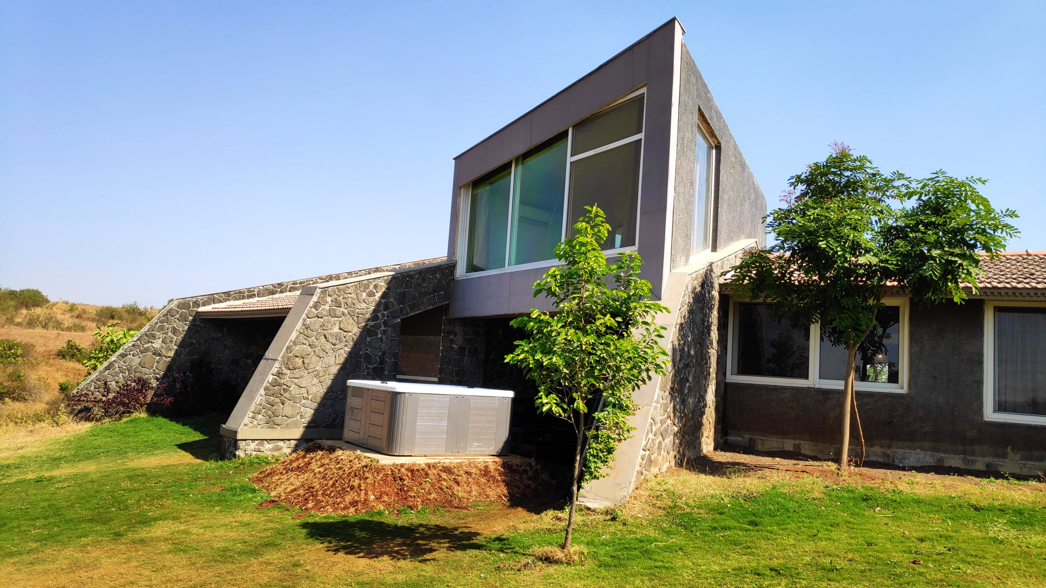 House,Property,Architecture,Home,Building,Real estate,Residential area,Facade,Tree,Rural area