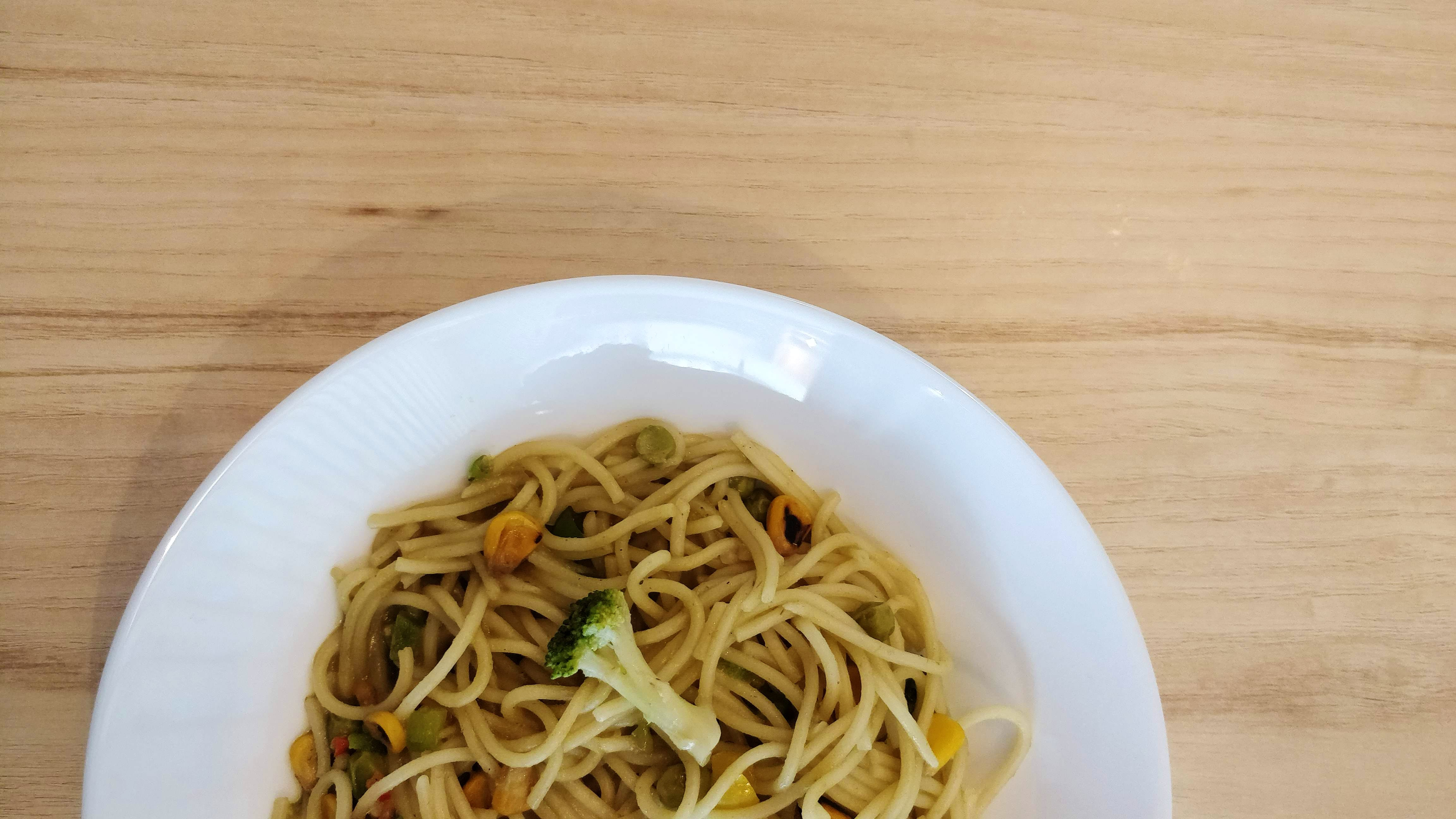 Dish,Food,Cuisine,Noodle,Chow mein,Chinese noodles,Hot dry noodles,Spaghetti,Bigoli,Fried noodles