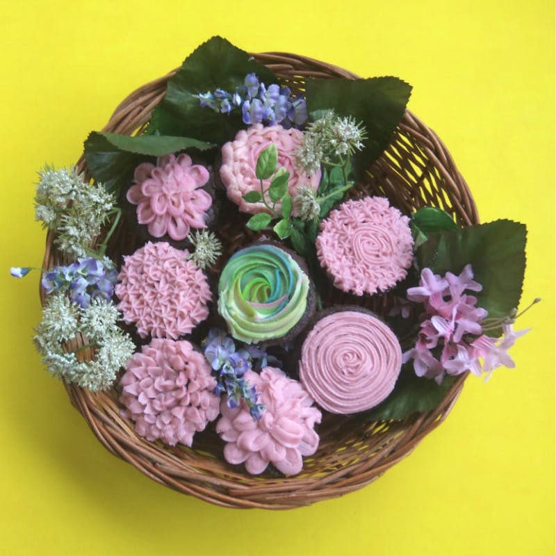 Flower,Bouquet,Pink,Floristry,Plant,Flower Arranging,Floral design,Cut flowers,Rose,Sweetness