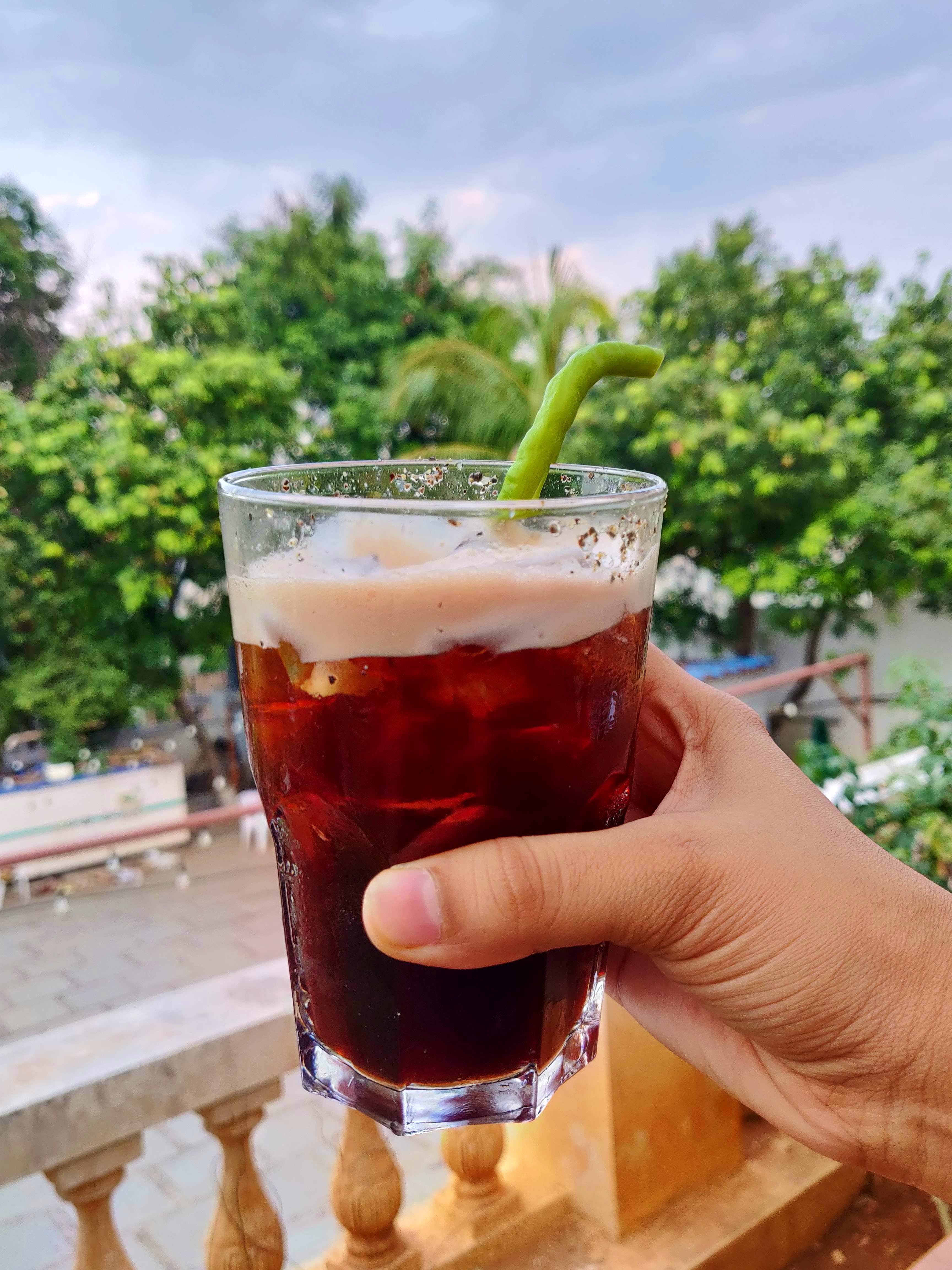 Drink,Cuba libre,Alcoholic beverage,Tinto de verano,Kalimotxo,Cocktail,Distilled beverage,Pimm's,Food,Liqueur