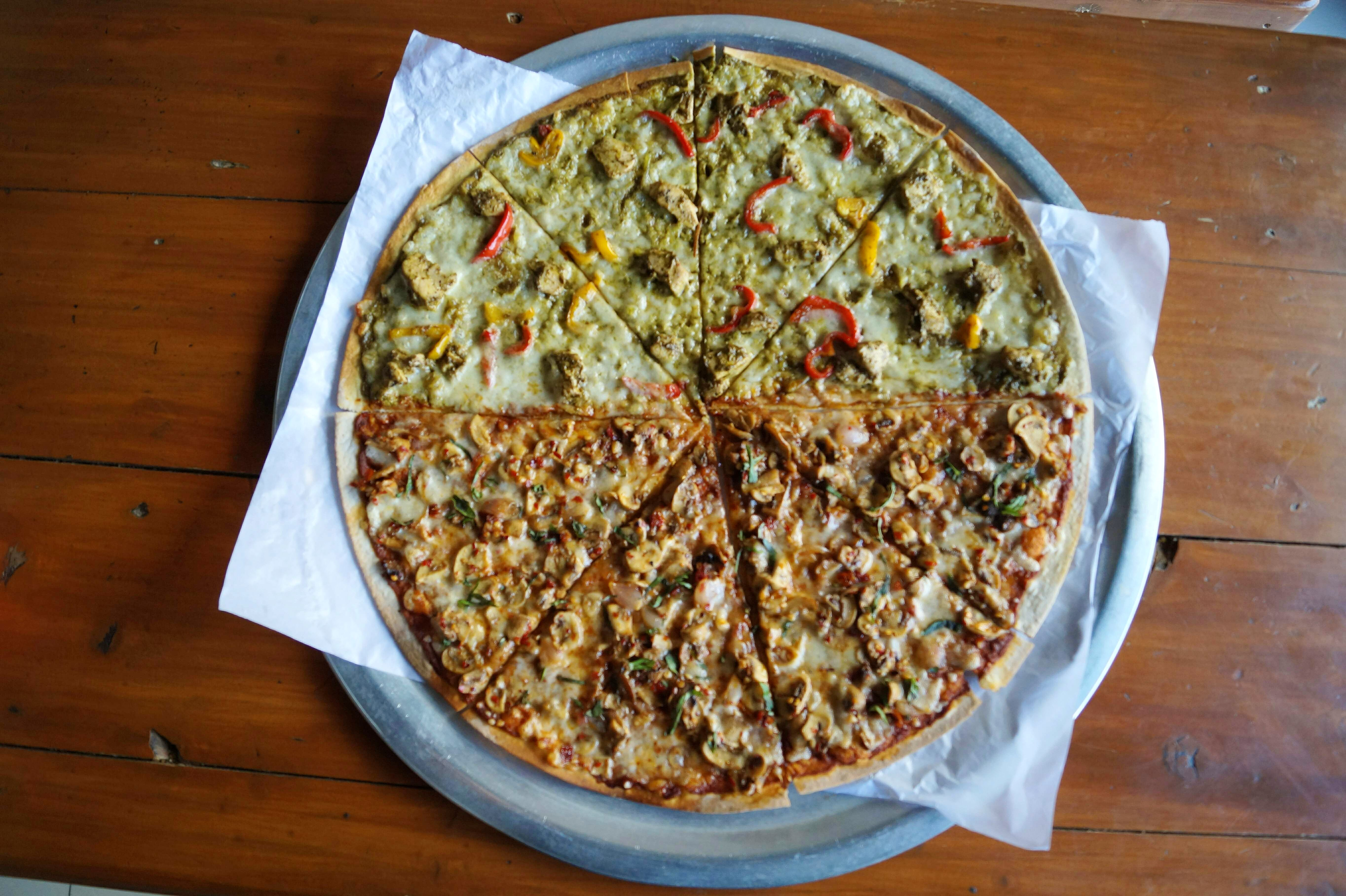 Dish,Food,Cuisine,Ingredient,Produce,Manakish,Pizza,Recipe,Zwiebelkuchen,American food