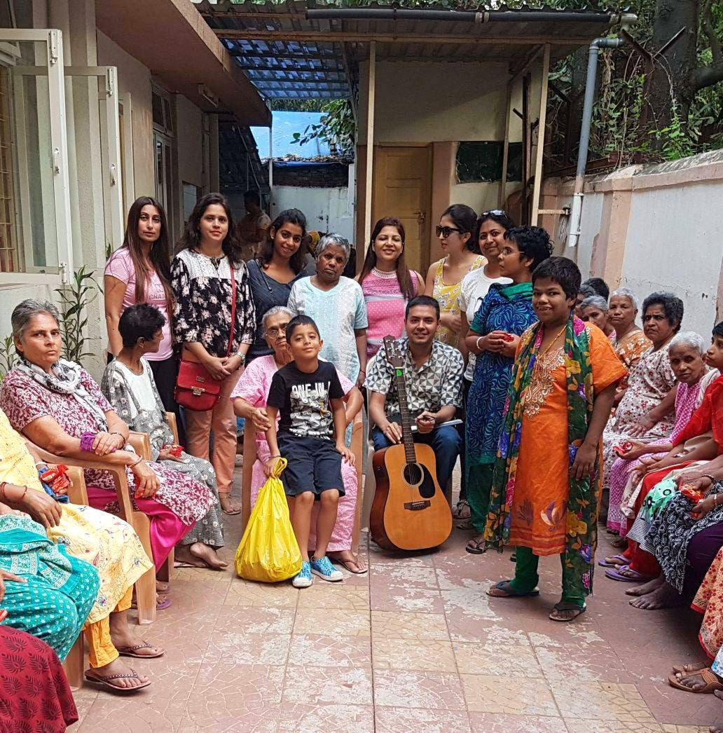 6 Place Where You Can Donate Clothes | LBB, Mumbai