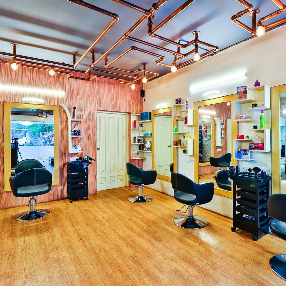 Room,Interior design,Building,Office chair,Laminate flooring,Flooring,Floor,Furniture,Wood flooring,Physical fitness