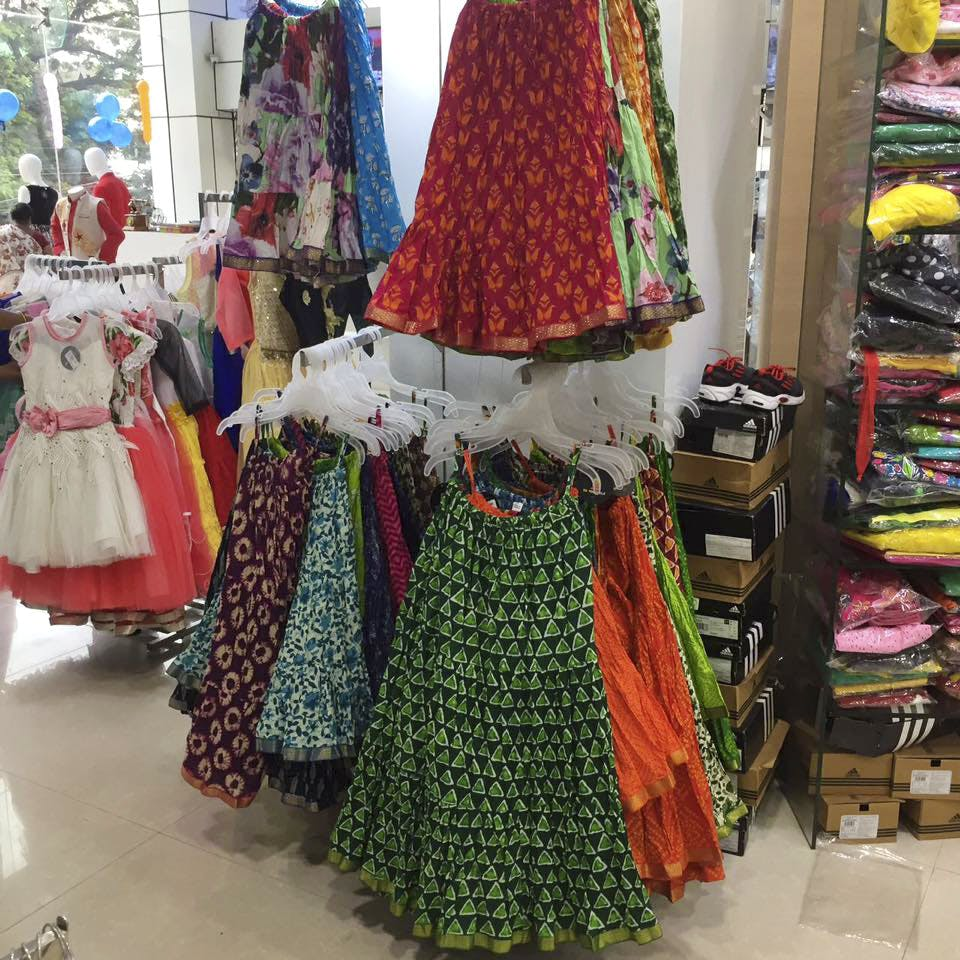 Clothing,Boutique,Bazaar,Public space,Dress,Marketplace,Selling,Market,Tradition,Retail
