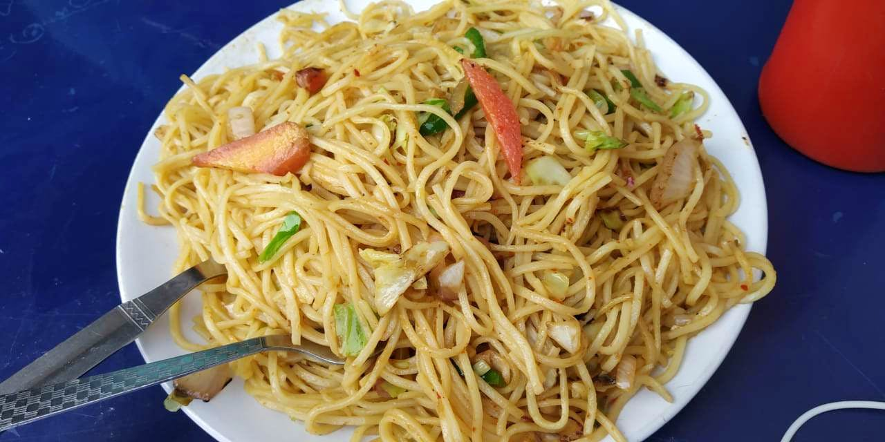 Dish,Food,Cuisine,Noodle,Chow mein,Spaghetti,Chinese noodles,Fried noodles,Lo mein,Capellini