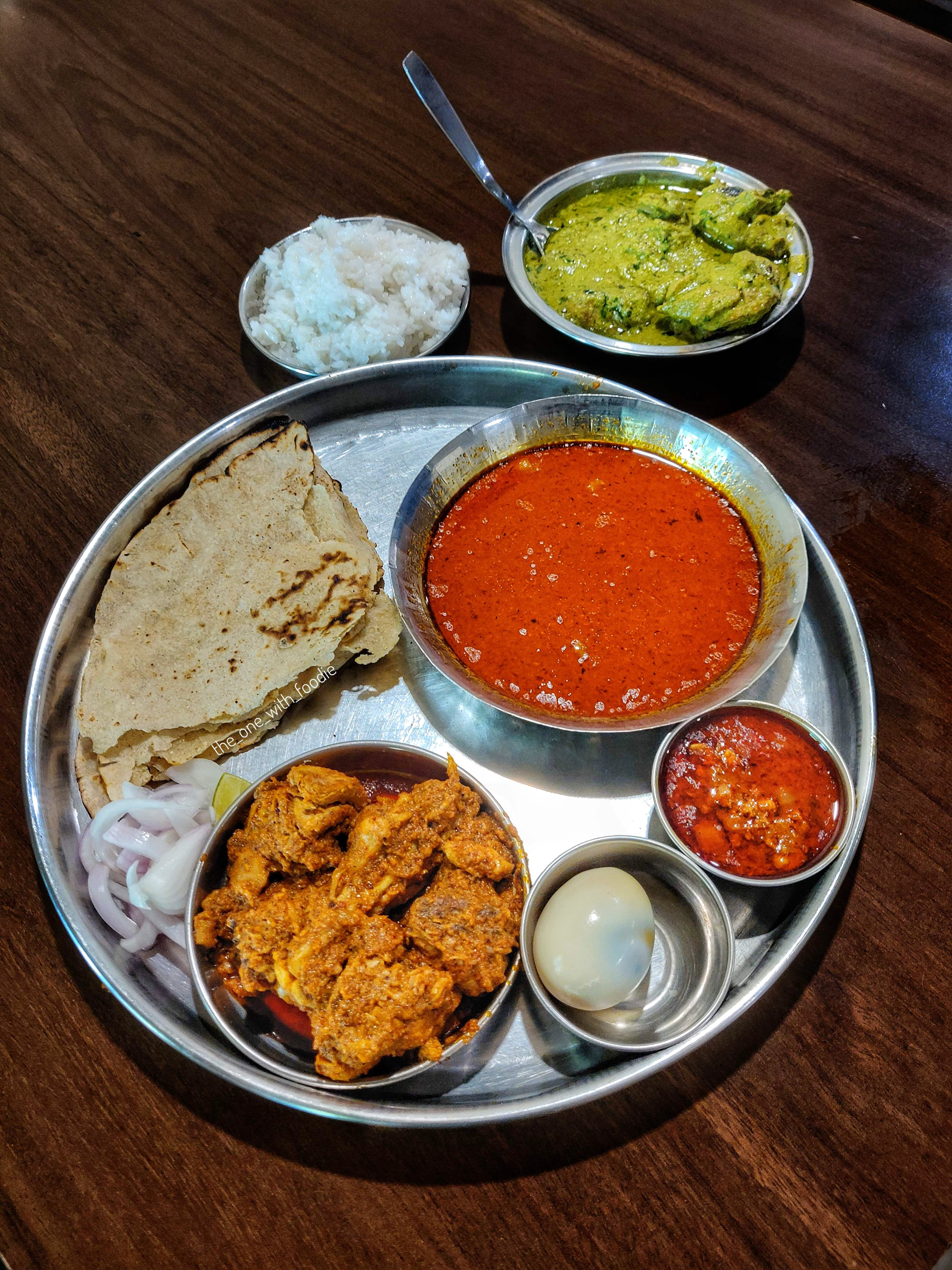 This Place Specialises In Non-Veg Thalis, Check Them Out ASAP
