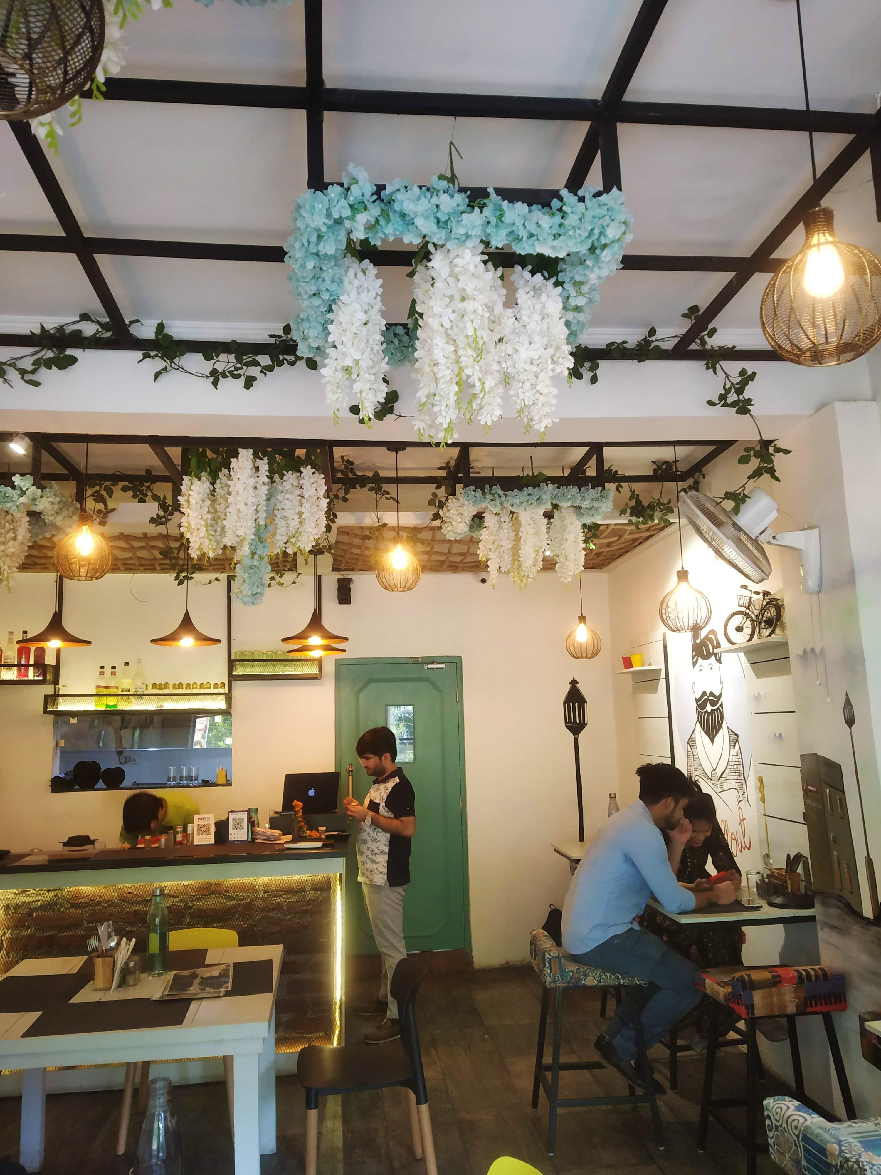 A Cosy Cafe With Delish Food In Laxmi Nagar