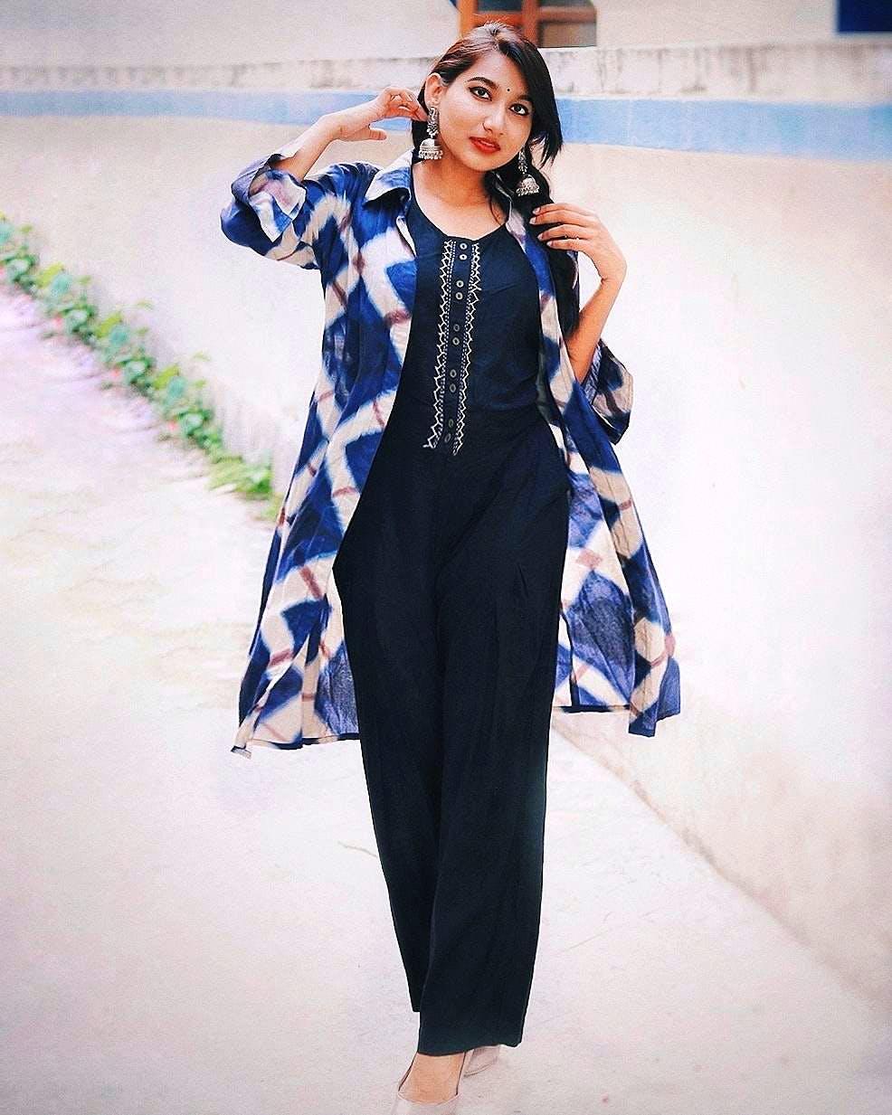 Clothing,Blue,Fashion model,Fashion,Formal wear,Dress,Waist,Leg,Neck,Fashion design