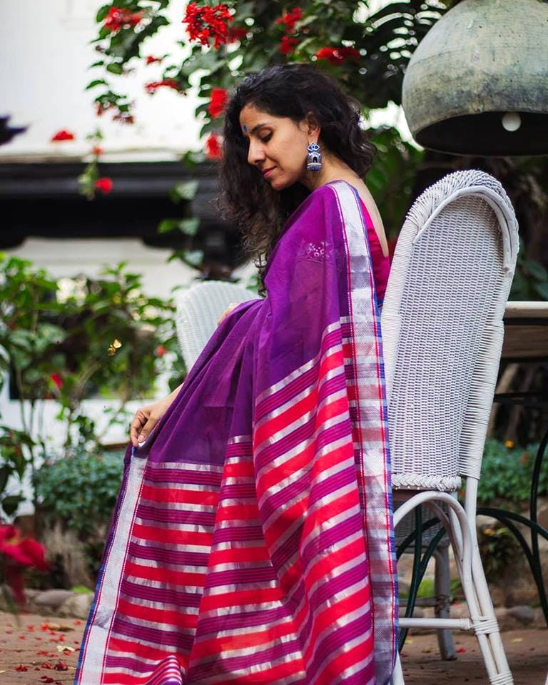 Clothing,White,Magenta,Pink,Red,Maroon,Purple,Textile,Formal wear,Photo shoot