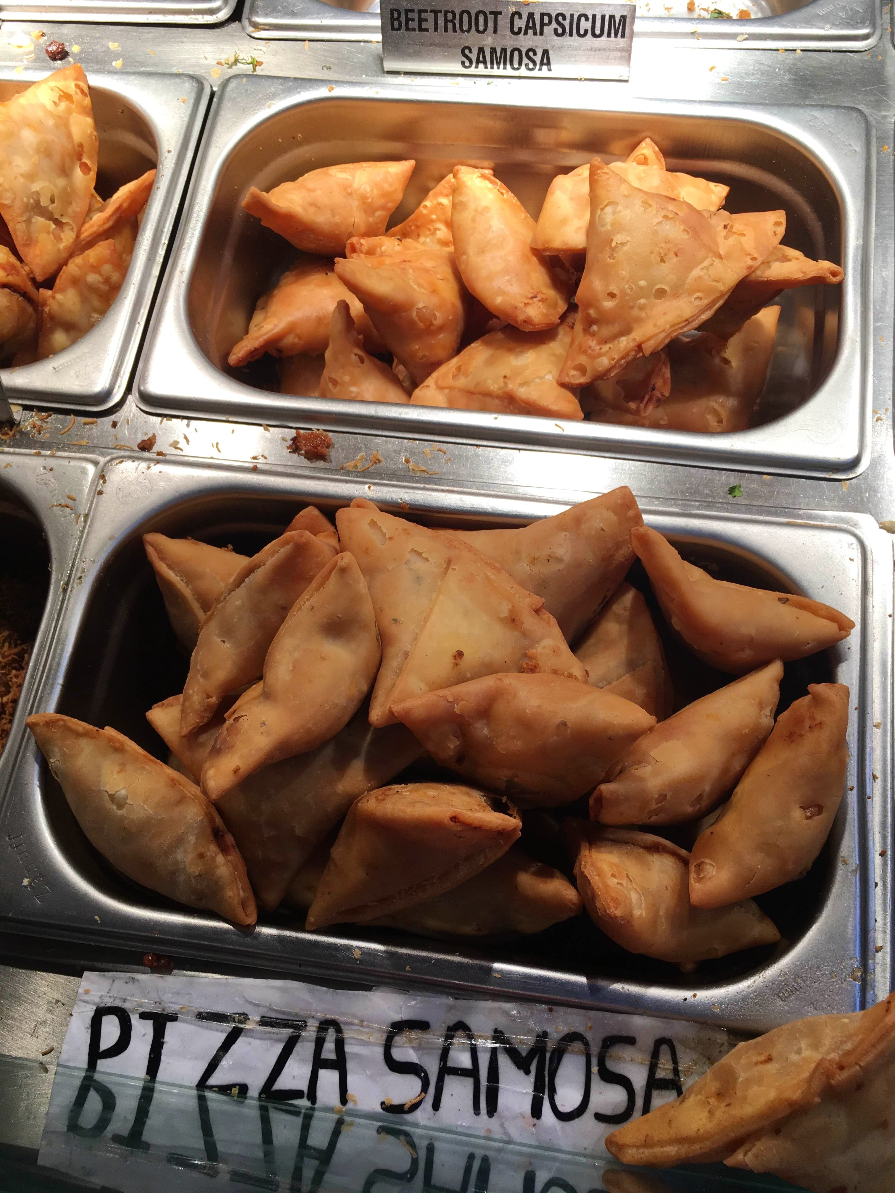 Dish,Food,Cuisine,Fried food,Ingredient,Samosa,Produce,Snack,Deep frying