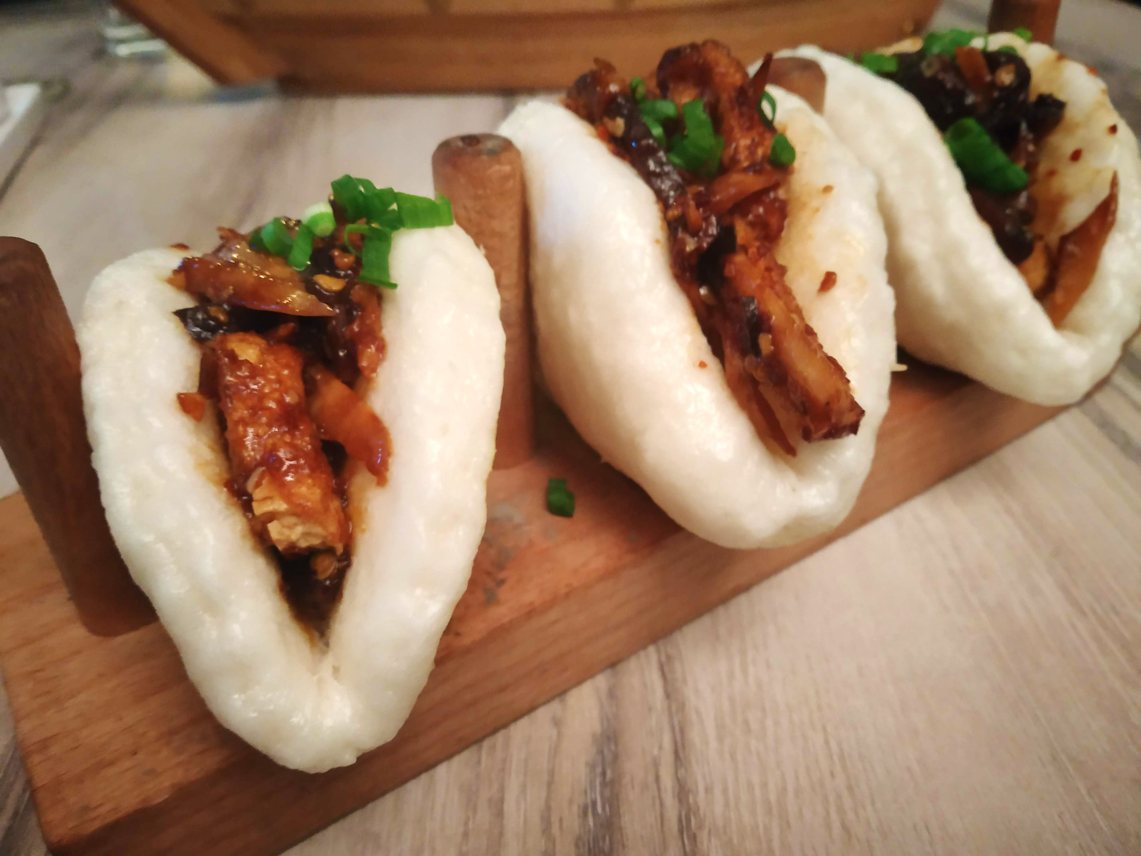 Dish,Food,Cuisine,Ingredient,Rou jia mo,Produce,Finger food,Comfort food,Snack,Choripán
