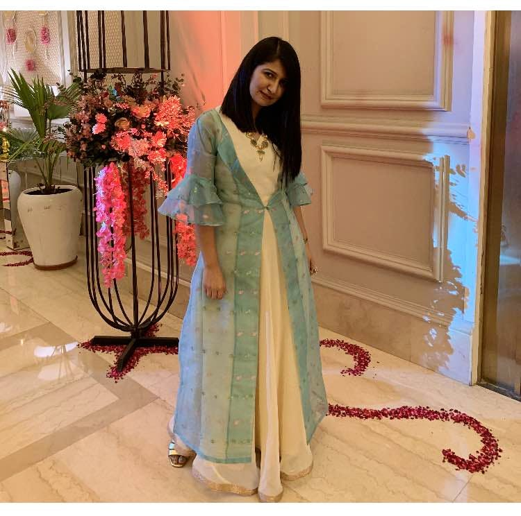 Clothing,Formal wear,Dress,Pink,Outerwear,Turquoise,Fashion,Gown,Peach,Sleeve