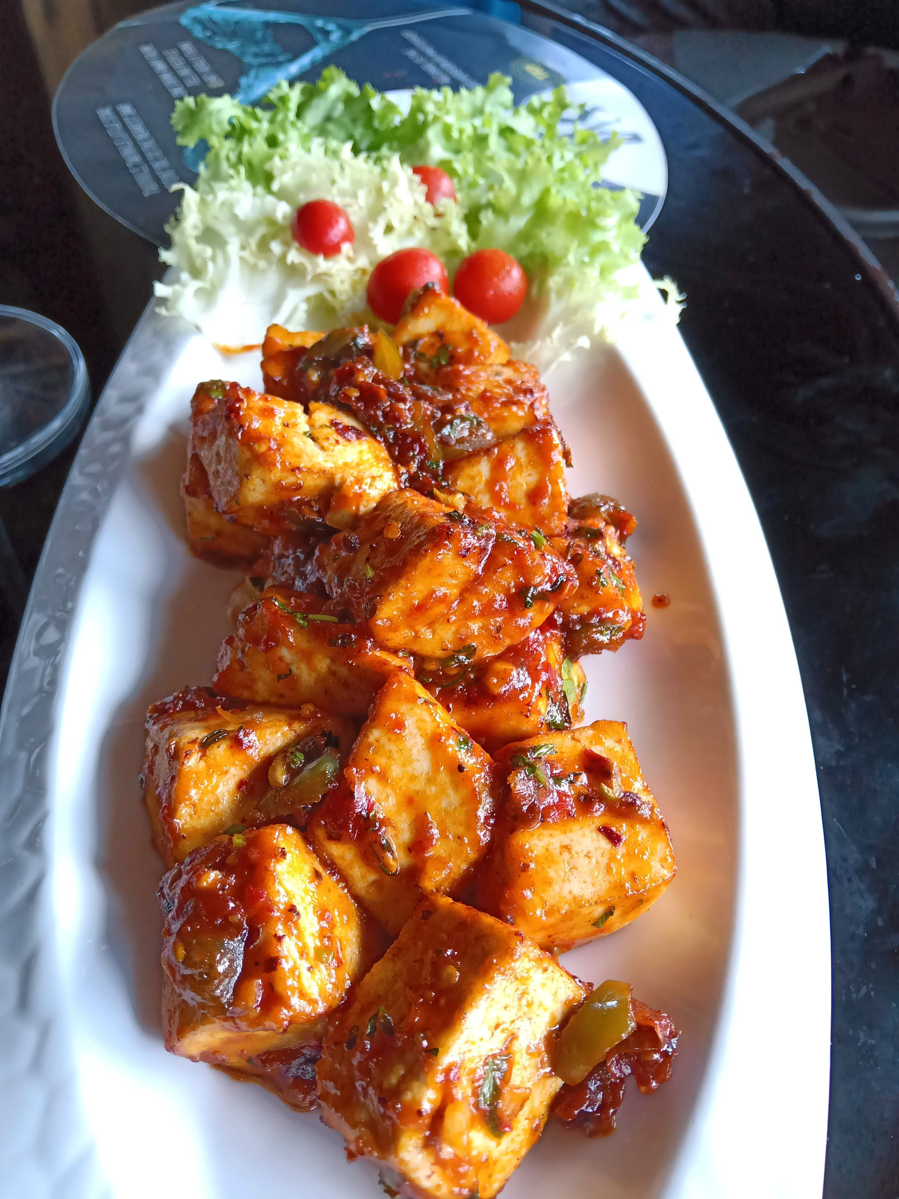 Dish,Food,Cuisine,Ingredient,Meat,General tso's chicken,Produce,Sweet and sour chicken,Fried food,Recipe