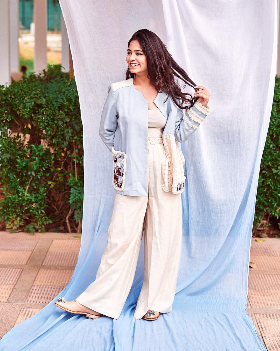 Clothing,White,Pajamas,Dress,Shoulder,Fashion,Sleeve,Outerwear,Nightwear,Neck