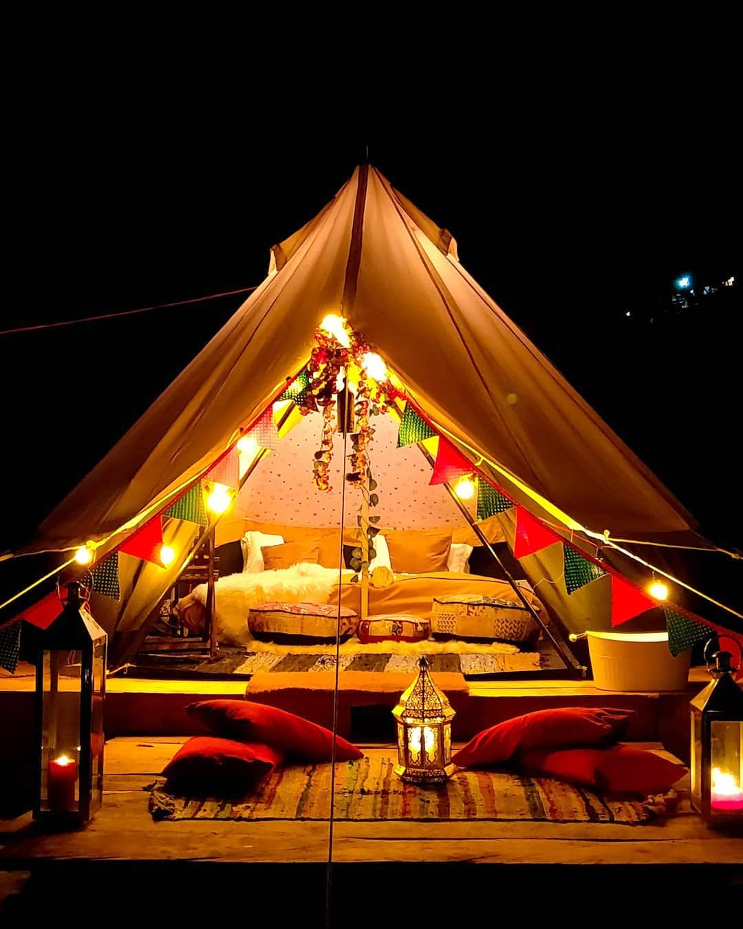 Tent,Night,Circus,Performance,Event,Stage