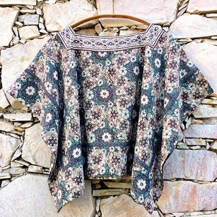 Clothing,Sleeve,Outerwear,Blouse,Pattern,Pattern,Top,Shirt,Crop top,T-shirt