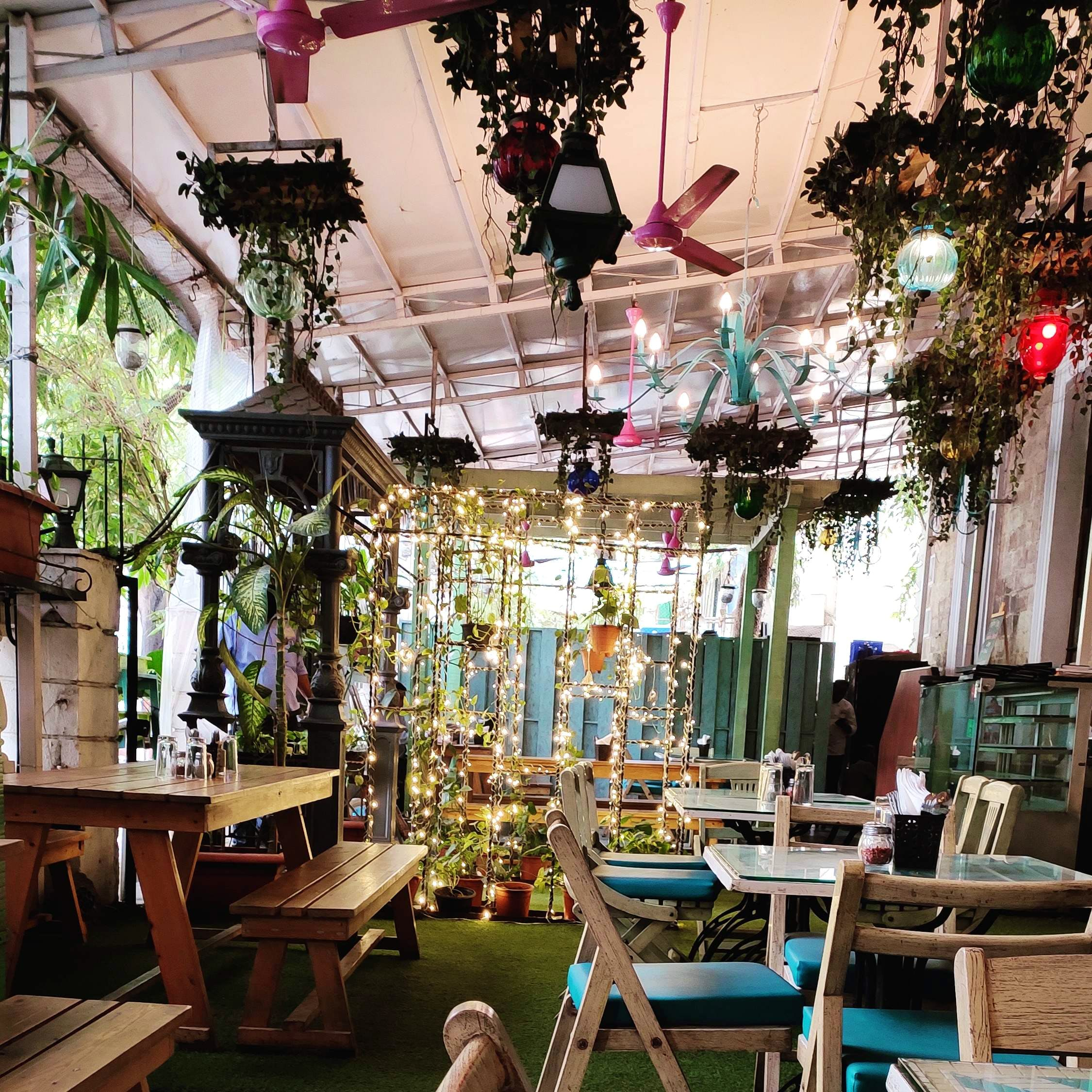This Prettiest Cafe In Town Serves Some Delicious Comfort Food