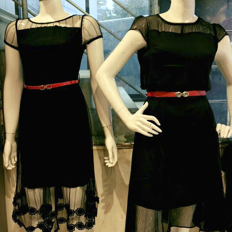 Clothing,Dress,Cocktail dress,Black,Day dress,Mannequin,Fashion,Little black dress,Formal wear,Fashion design