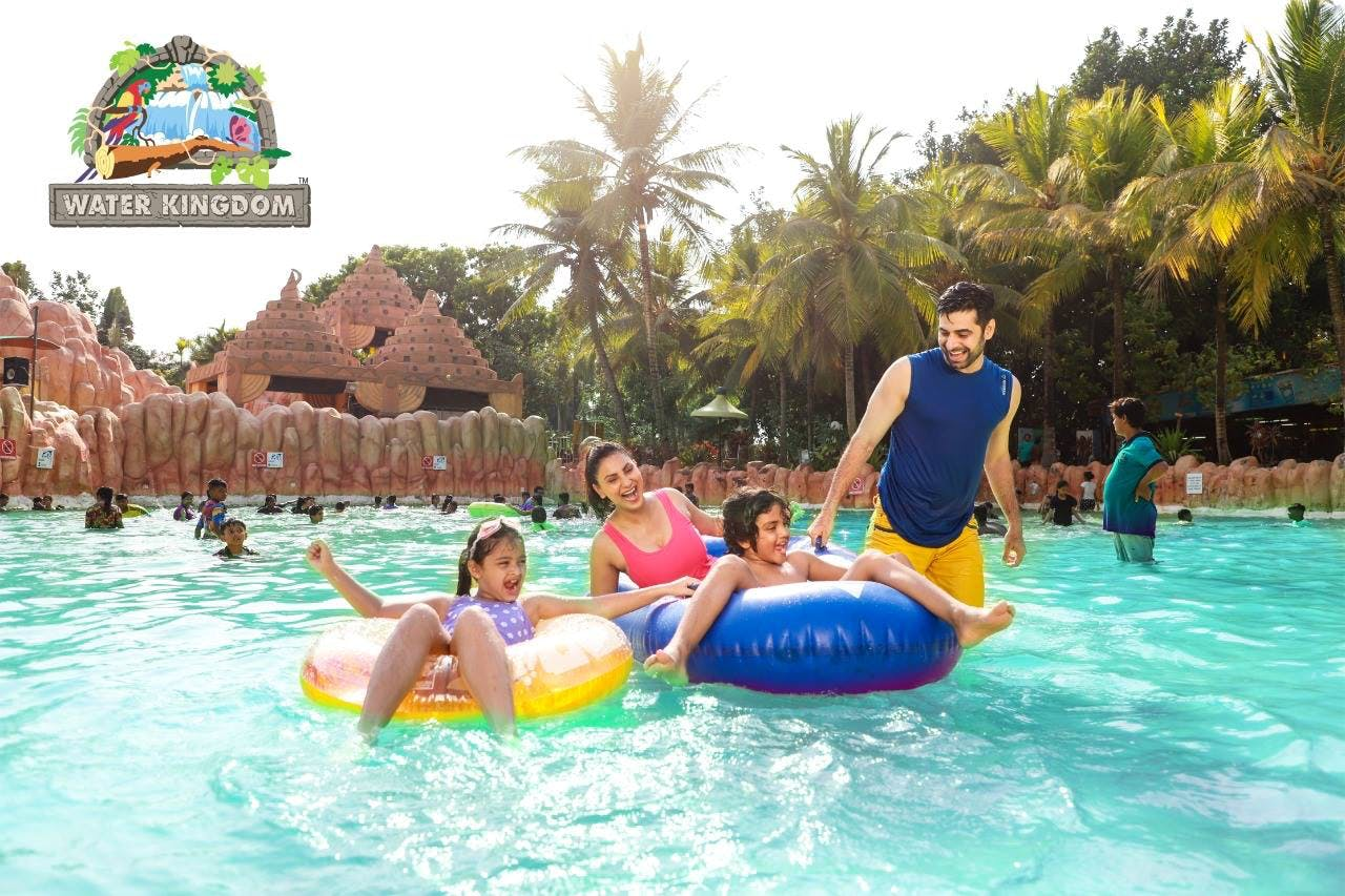 Water park,Fun,Leisure,Inflatable,Swimming pool,Amusement park,Recreation,Water,Vacation,Park