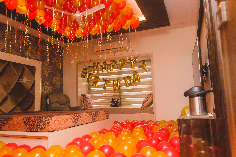 Balloon,Room,Decoration,Interior design,Ceiling,Function hall