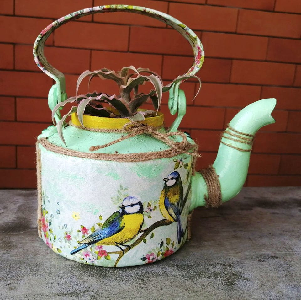 Teapot,Kettle,Ceramic,Porcelain,Serveware,Tableware,Stovetop kettle,Pottery,Turquoise,Cookware and bakeware