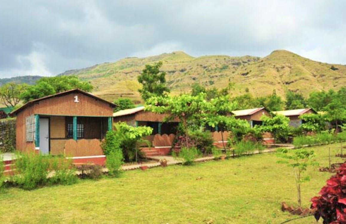 Property,Hill station,Natural landscape,Rural area,Land lot,Home,House,Highland,Real estate,Landscape