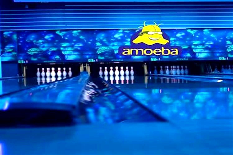 Bowling,Ten-pin bowling,Bowling pin,Bowling equipment,Blue,Display device,Duckpin bowling,Ball,Technology,Ball game