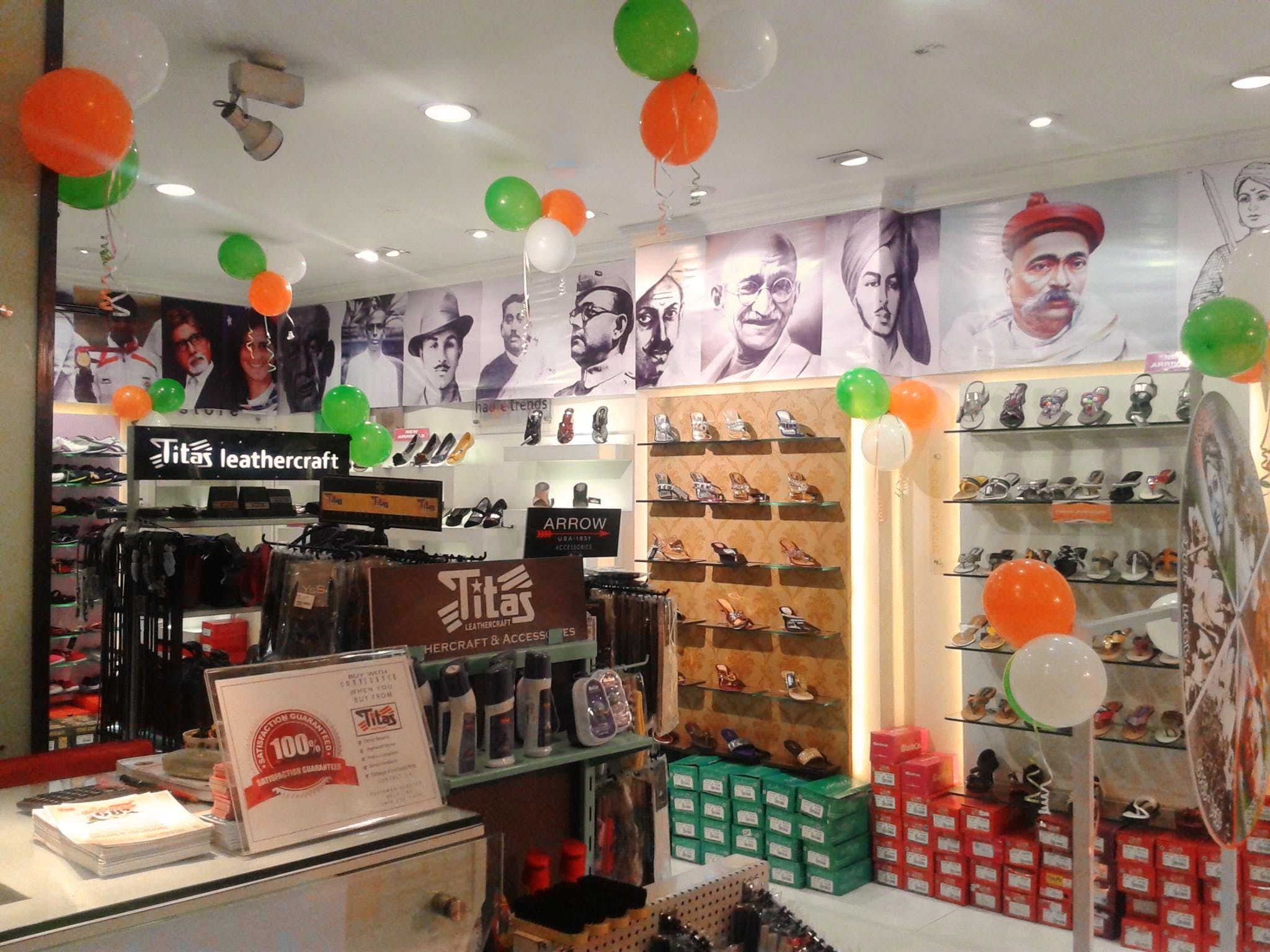 Product,Building,Retail,Interior design,Outlet store,Convenience store