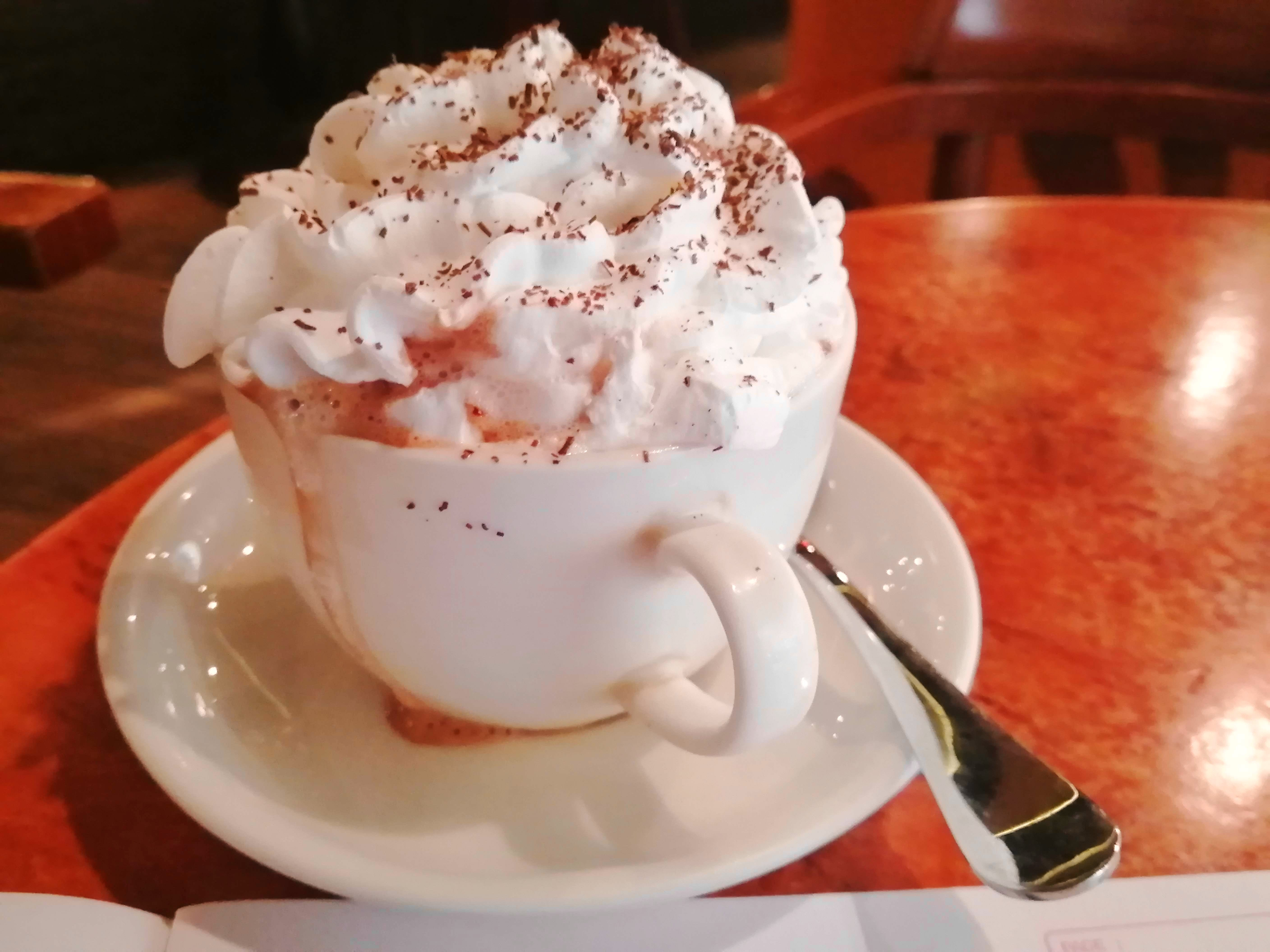 Whipped cream,Food,Cream,Dish,Cuisine,Drink,Non-alcoholic beverage,Espresso con panna,Hot chocolate,Sweetness