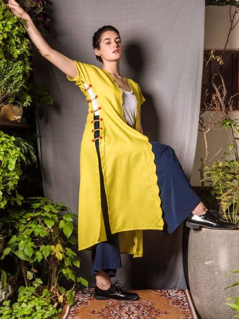 Clothing,Green,Yellow,Lady,Photo shoot,Outerwear,Adaptation,Textile,Dress,Costume
