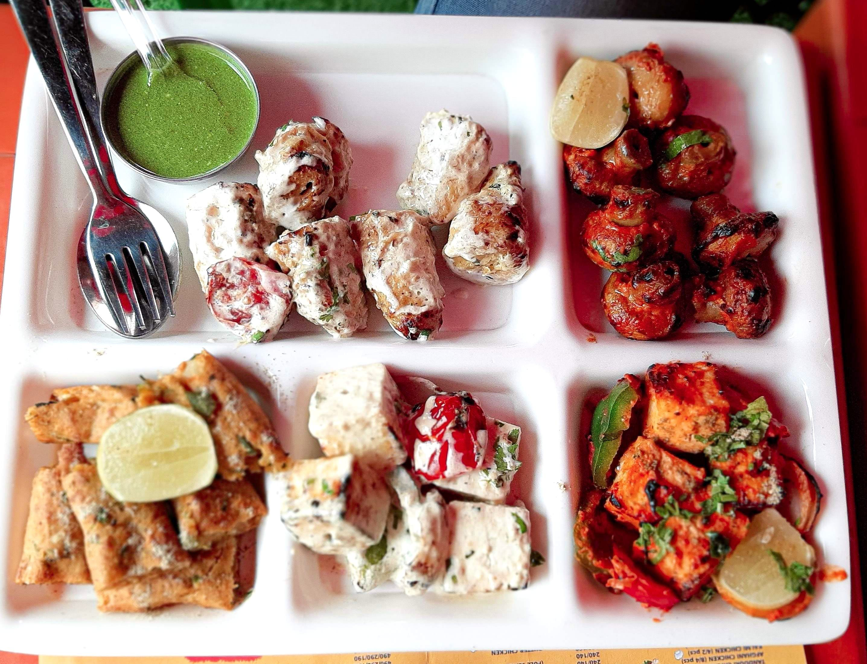 This Restaurant In Rajouri Offers Some Amazing Platters & Delish Main Course