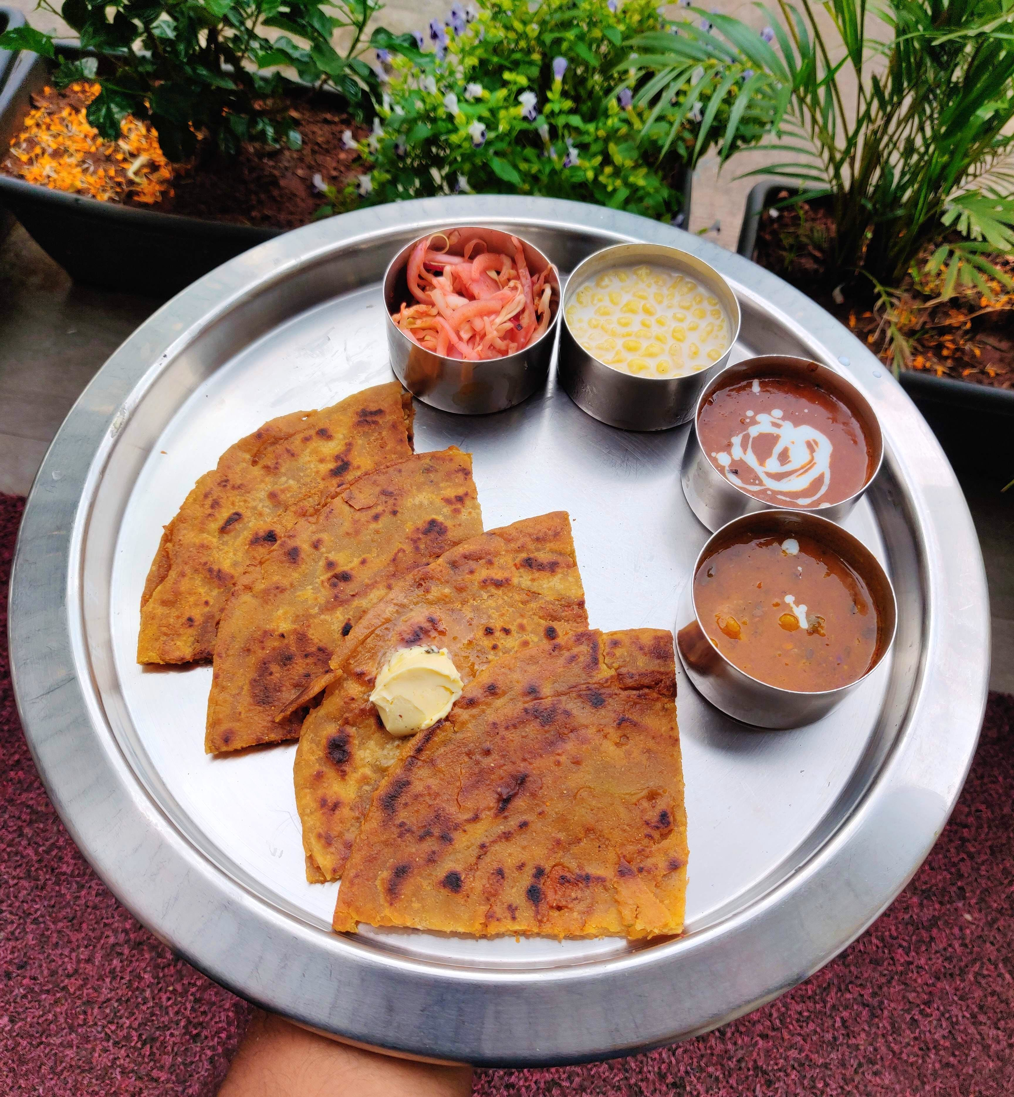 Dish,Food,Cuisine,Ingredient,Naan,Paratha,Staple food,Produce,Finger food,Roti