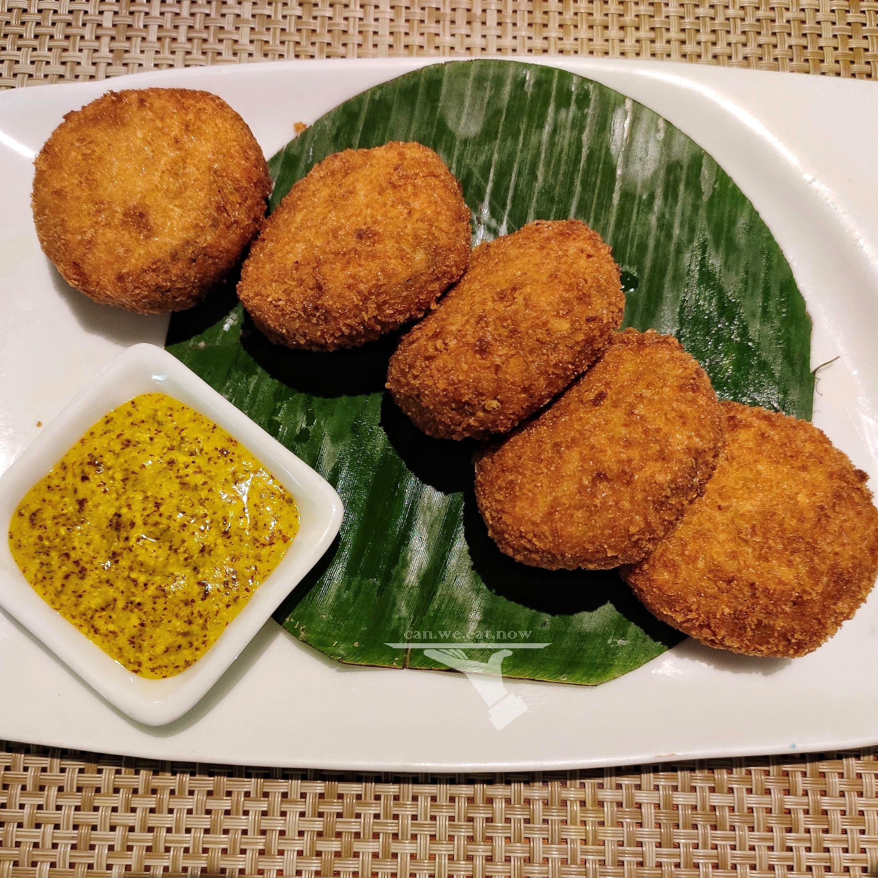 When In Khar, Enjoy Authentic Bengali Food At Oh! Calcutta