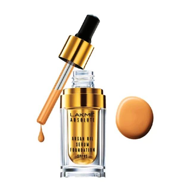 Product,Beauty,Liquid,Water,Fluid,Material property,Beige,Cosmetics,Perfume,Spray