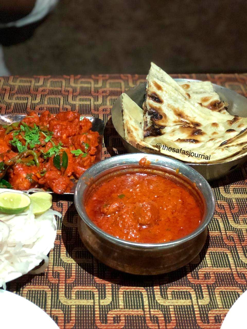 Dish,Food,Cuisine,Naan,Ingredient,Punjabi cuisine,Curry,Chapati,Muhammara,Produce