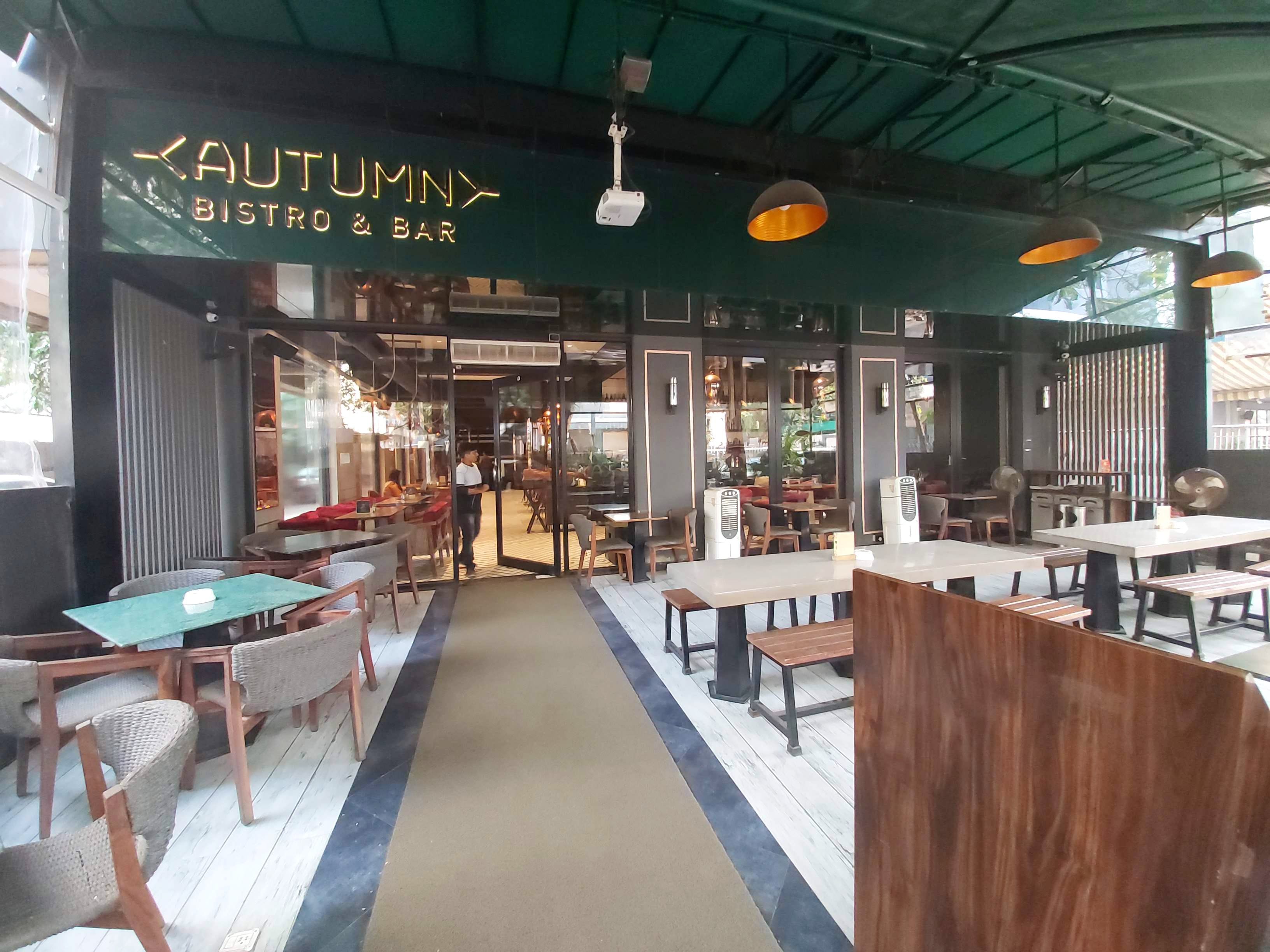 Enjoy Top-Notch Food & Cocktails With A Pretty Ambience At This Restaurant In Andheri