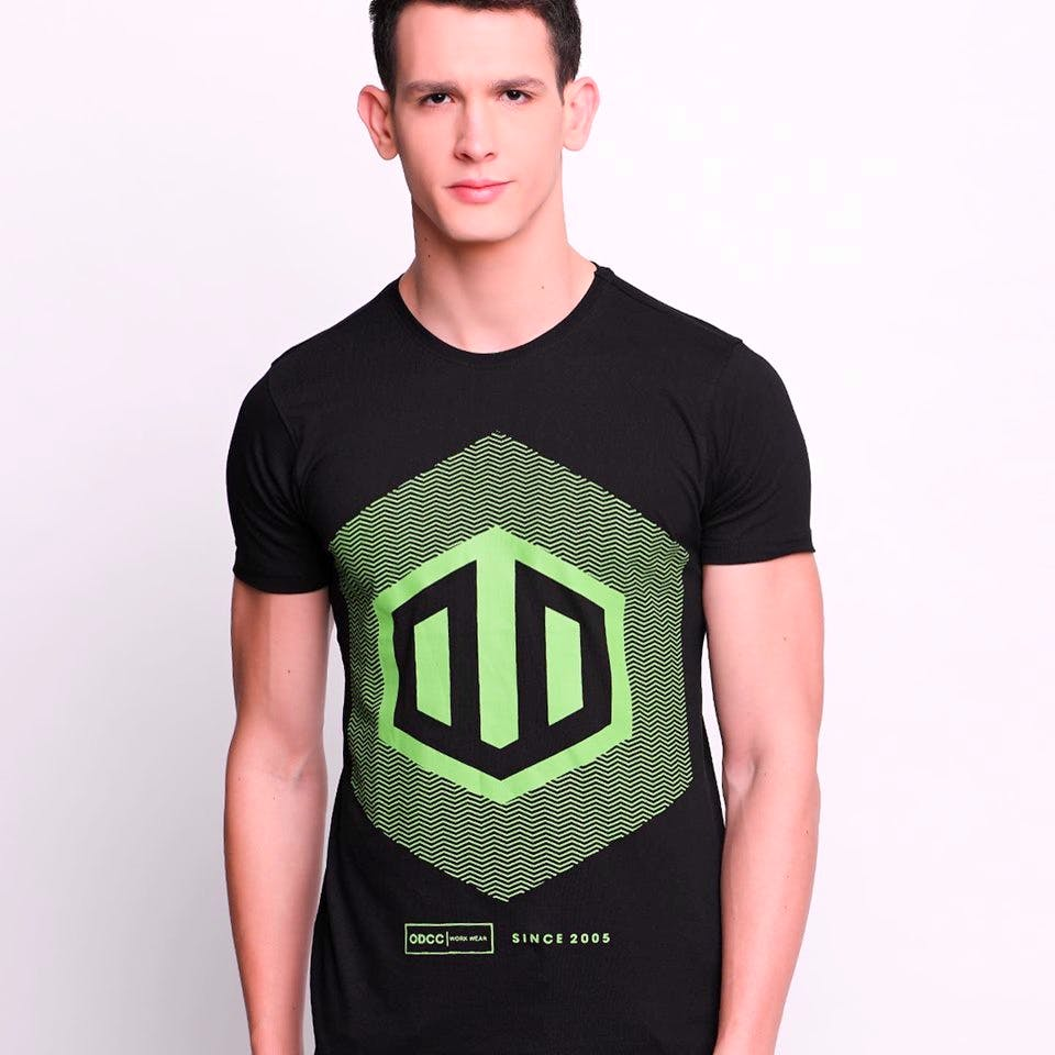 T-shirt,Clothing,Green,Neck,Sleeve,Product,Active shirt,Top,Shoulder,Jersey