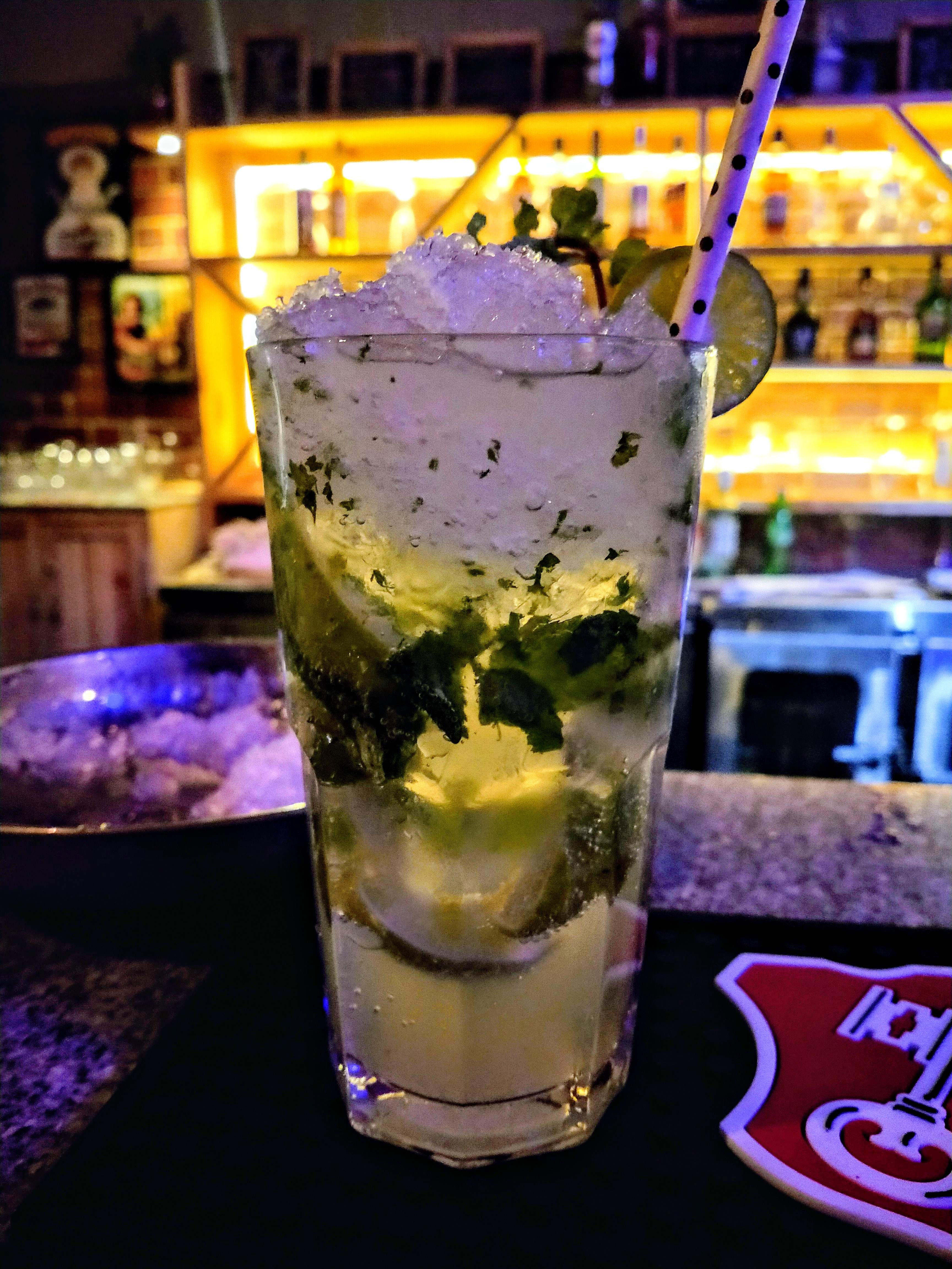 Drink,Alcoholic beverage,Distilled beverage,Liqueur,Cocktail garnish,Non-alcoholic beverage,Cocktail,Mojito,Gin and tonic,Alcohol